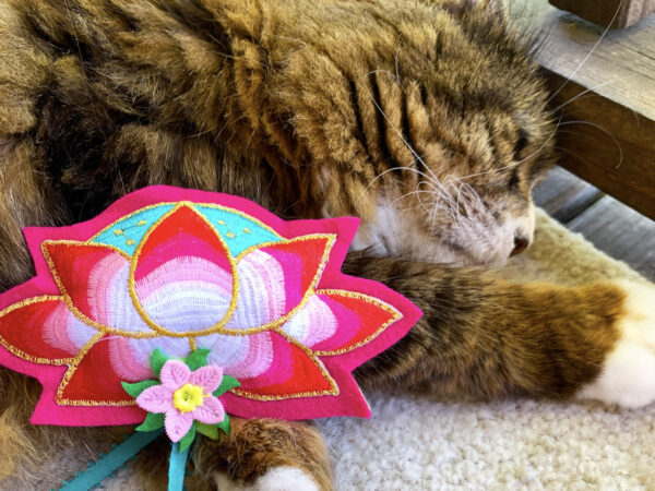 Lotus Pillow Catnip Cat Toy